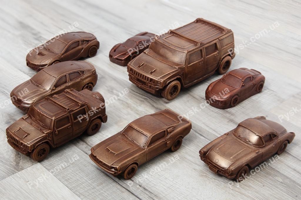Шоколадні автомобілі в асортименті