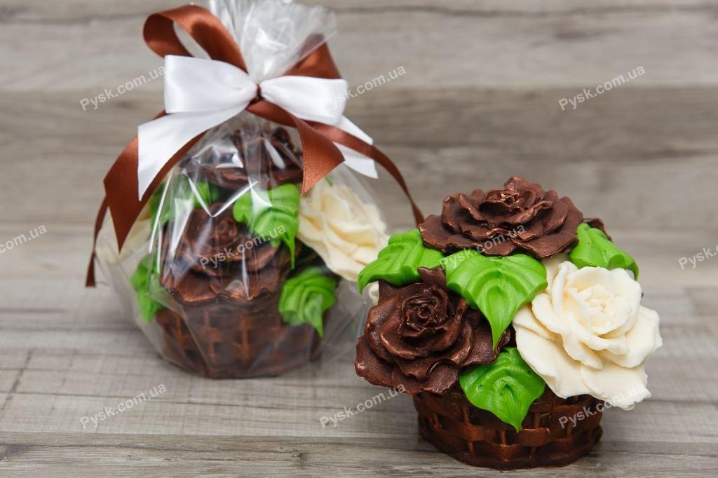 Шоколадная корзина роз