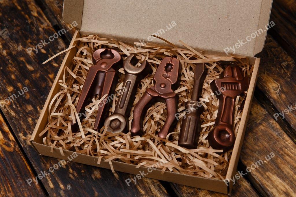 Набор инструментов из шоколада